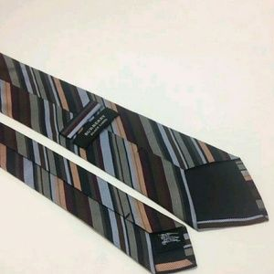 be176326e02d ... discount code for burberry accessories authentic burberry black label  tie 2a2bd 34422